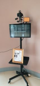 Large screen photo booth